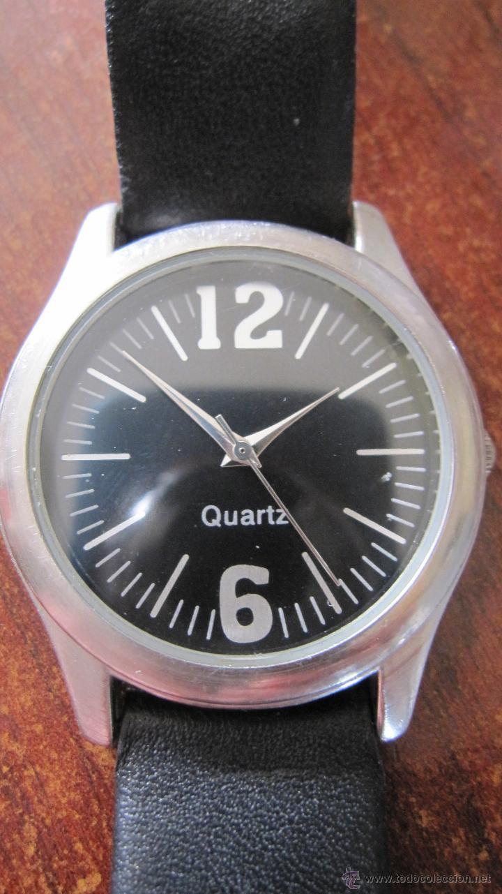 ELEGANTE RELOJ DE DIAL NEGRO ANONIMO EN CAJA DE ACERO (Relojes - Relojes Actuales - Otros)