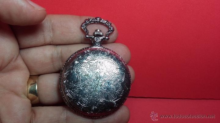 Relojes: Reloj de bolsillo motero a pilas con una muy bella decoración - Foto 2 - 47992880