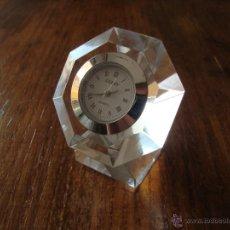 Relojes: BONITO RELOJ AÑOS 60-70 DE CRISTAL. Lote 50191055