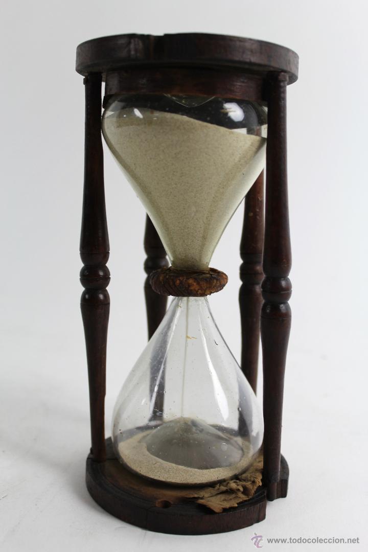 Antiguo reloj de arena en cristal y madera comprar for Fotos de reloj de arena