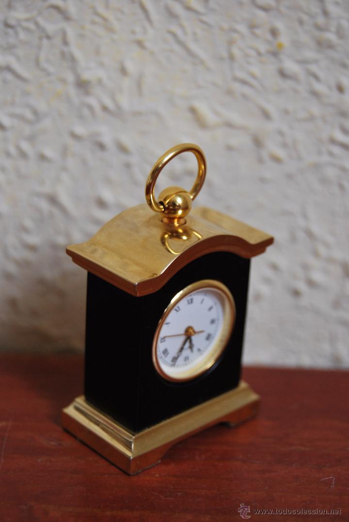 PEQUEÑO RELOJ DE SOBREMESA - MINIATURA - CAJA DE METAL - MIYOTA JAPAN (Relojes - Relojes Actuales - Otros)