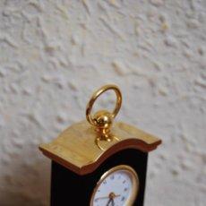 Relojes: PEQUEÑO RELOJ DE SOBREMESA - MINIATURA - CAJA DE METAL - MIYOTA JAPAN. Lote 51041406