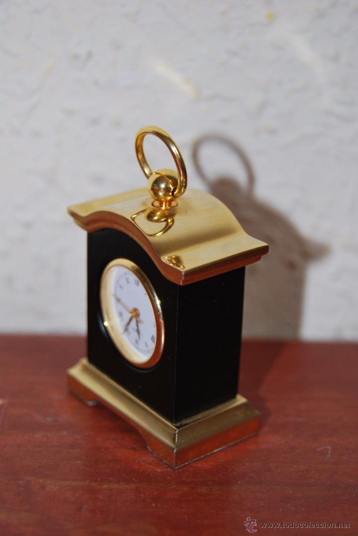 Relojes: PEQUEÑO RELOJ DE SOBREMESA - MINIATURA - CAJA DE METAL - MIYOTA JAPAN - Foto 3 - 51041406