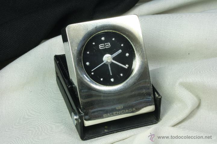 reloj de mesa balenciaga metal niquelado y cuero reloj de diseo