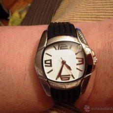 Relojes: RELOJ DE PULSERA DE DISEÑO CORREA CAUCHO - ESFERA BLANCA. Lote 49867846