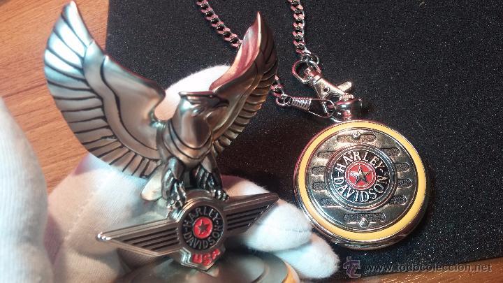 Relojes: Reloj de bolsillo estilo vintage Harley Davison con cadena y relojera para el mismo - Foto 23 - 54619934