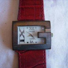 Relojes: **BONITO RELOJ ----CUZZI---PUEDE QUE LE FALTE PILA,PIEZAS O COLECCION (3,5 CM)** CORREA PIEL!!. Lote 60773395