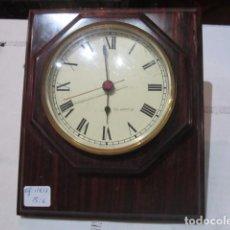 Relojes: RELOJ DE PARED SOBRE MADERA. CUARZO. 15 X 18 CMS.. Lote 61457515