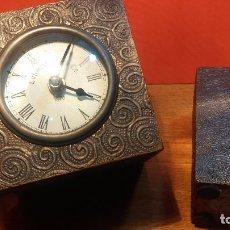 Relojes: SET DE RELOJ VINTAGE Y PORTAVELA DE LA CASA ZARA, FUNCIONANDO. Lote 67687929