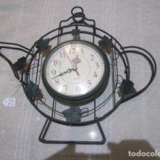 Relojes: RELOJ DE PARED CUARZO, EN FORJA. 37 X 22 CMS. FUNCIONANDO.. Lote 71912735