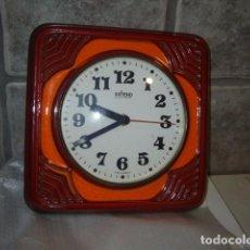 Relojes: RELOJ DE COCINA CERAMICA,PORCELANA ESMALTADA,AÑOS 70.. Lote 72694851