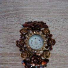 Relojes: PRECIOSO RELOJ DE BISUTERIA TODO EN METAL Y COMO PULSERA. Lote 79688149