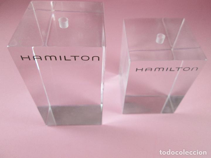 LOTE 2 SOPORTES-RELOJ HAMILTON-NUEVOS-DISTINTOS TAMAÑOS-VER FOTOS (Relojes - Relojes Actuales - Otros)