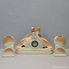 Relojes: RELOJ ART DECÓ CON GUARNICIONES EN FORMA DE FLOREROS. FRANCIA.. Lote 98748447