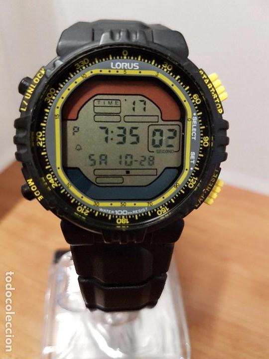 b7f1634b9916 Relojes  Reloj de caballero Lorus de silicona de cuarzo con correa de  silicona negra original