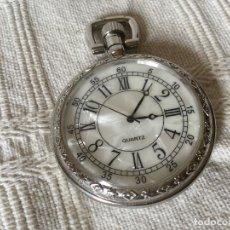 Relojes: RELOJ DE BOLSILLO FERROVIARIO, ESFERA DE NÁCAR, TREN EN LA TAPA TRASERA.. Lote 104278855