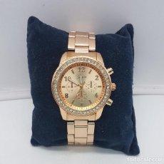 Relojes: ELEGANTE Y MODERNO RELOJ DE MUÑECA CROMADO EN ORO ROSA CON CIRCONITAS TALLA BRILLANTE .. Lote 110115107