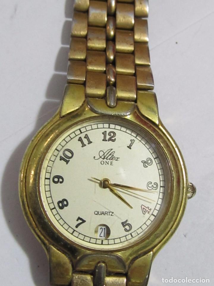 RELOJ ALTEX ONE DE CUARZO CHAPADO EN ORO - CON CALENDARIO (Relojes - Relojes Actuales - Otros)