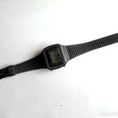 Relojes: RELOJ CABALLERO DIGITAL - LCD -QUARTZ - NO FUNCIONA - CORREA TIPO SWATCH. Lote 113663931