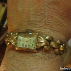 Relojes: BASIS WATCH 15 RUBIES MECANICO RELOJ ANTIGUO DE SEÑORA CHICA DORADO CON CADENA 10 MICRONES. Lote 113893695