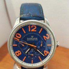 Relojes: RELOJ CABALLERO CUARZO MARCA NAMASTE MULTIFUNCIÓN DE ACERO CON CORREA DE CUERO AZUL ORIGINAL NAMASTE. Lote 114374387