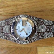 Relojes: RELOJ DE PULSERA GUCCI CON CORREA DE TELA - AÑOS 2000. Lote 152815946