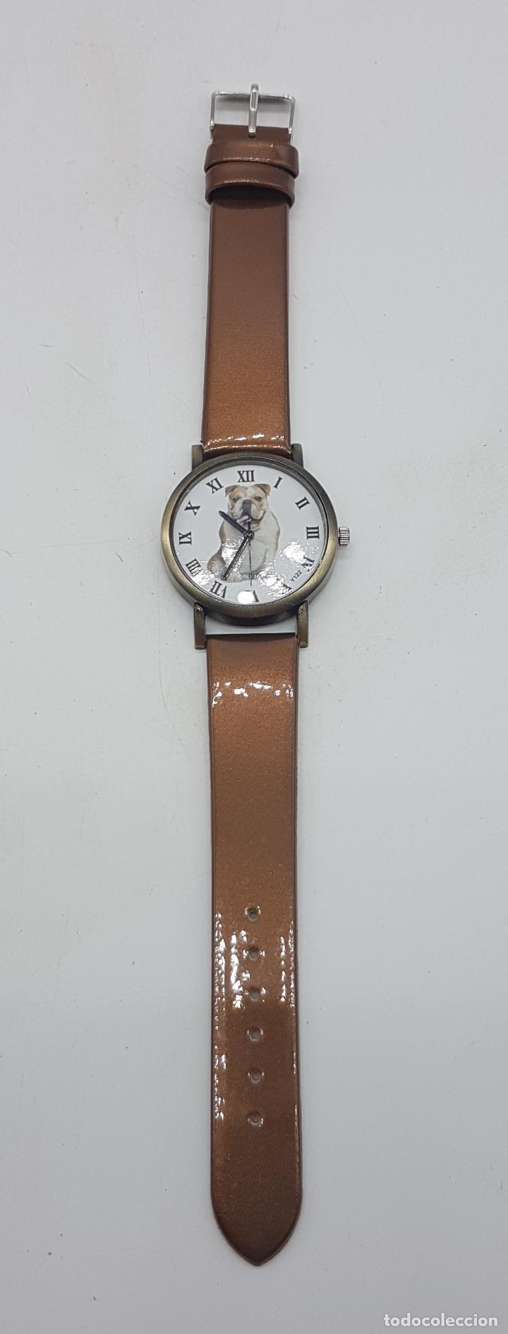 Relojes: Precioso reloj de pulsera con correa marrón y motivo de bulldog inglés. - Foto 3 - 127625459