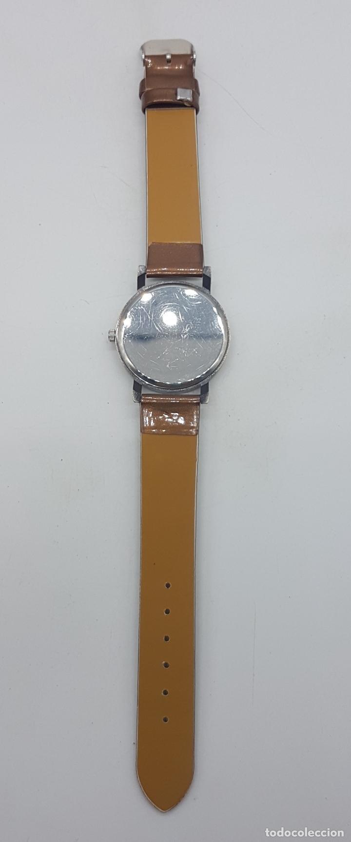 Relojes: Precioso reloj de pulsera con correa marrón y motivo de bulldog inglés. - Foto 4 - 127625459