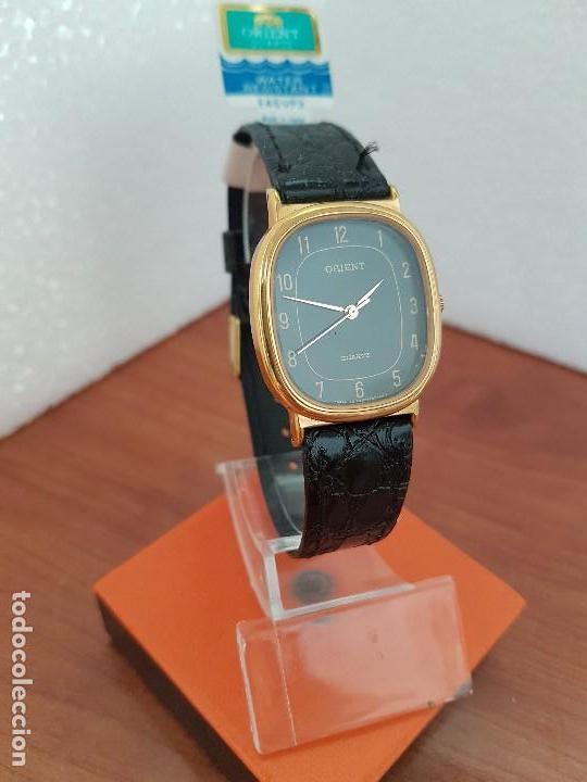 Relojes: Reloj caballero (Vintage) ORIENT cuarzo chapado de oro con correa de cuero negra, reloj nuevo. - Foto 11 - 129087235