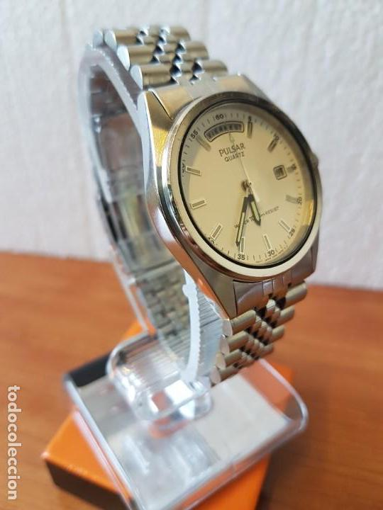 Relojes: Reloj caballero (Vintage) PULSAR cuarzo en acero, doble calendario a las tres y doce, correa acero. - Foto 4 - 130041003