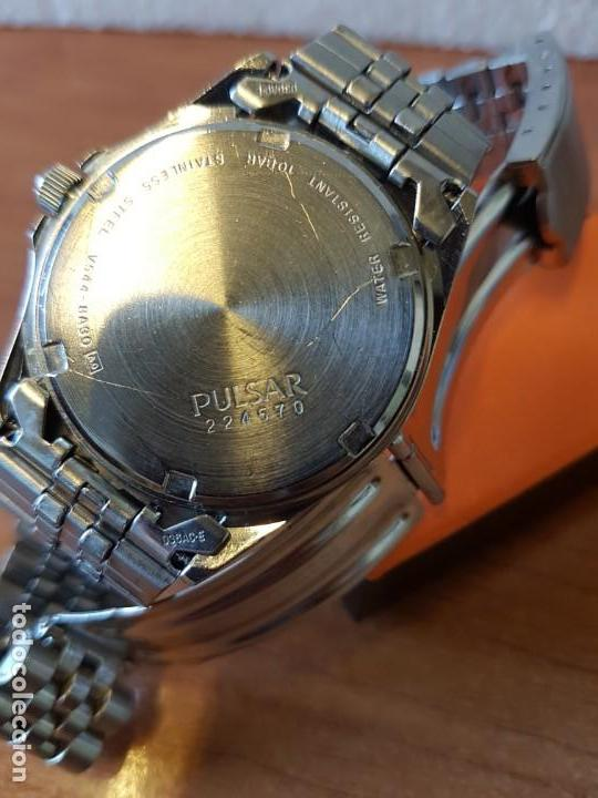 Relojes: Reloj caballero (Vintage) PULSAR cuarzo en acero, doble calendario a las tres y doce, correa acero. - Foto 9 - 130041003