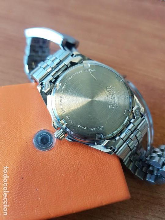 Relojes: Reloj caballero (Vintage) PULSAR cuarzo en acero, doble calendario a las tres y doce, correa acero. - Foto 11 - 130041003