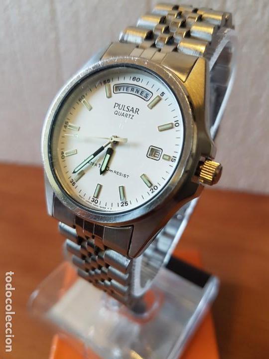 Relojes: Reloj caballero (Vintage) PULSAR cuarzo en acero, doble calendario a las tres y doce, correa acero. - Foto 12 - 130041003