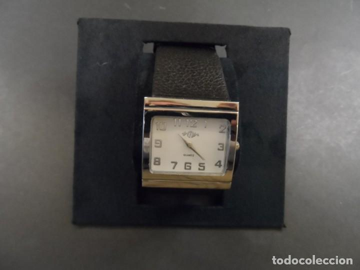 Relojes: RELOJ CORREA NEGRA GRANULADA Y ACERO. MARCA Q. ESFERA BLANCA. QUARTZ. SIGLO XXI - Foto 5 - 136500738