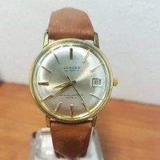 Relojes: RELOJ CABALLERO (VINTAGE) LEADER AUTOMÁTICO CHAPADO DE ORO 10 MICRAS, CALENDARIO A LAS TRES CORREA . Lote 139630414