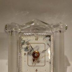 Relojes: RELOJ SOBREMESA WALTHER QUARTZ ENMARCADO EN CRISTAL, FABRICADO EN ALEMANIA. MEDIDAS 132X118MM. . Lote 144941654