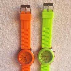 Relojes: PAREJA RELOJES GENEVA - BANDA DE GOMA 22.CM LARGO - 3.CM DIAMETRO ESFERA SIN USO. Lote 145357618