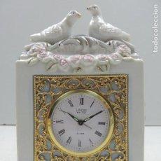 Relojes: RELOJ DESPERTADOR ANTIGUO JAPONES LANDEX ROYAL CRAFT EN FIGURA DE PORCELANA. Lote 156839990