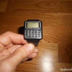 Relojes: RELOJ CALCULADORA DE LOS AÑOS 80 COLOR NEGRO BUEN ESTADO. Lote 146521926
