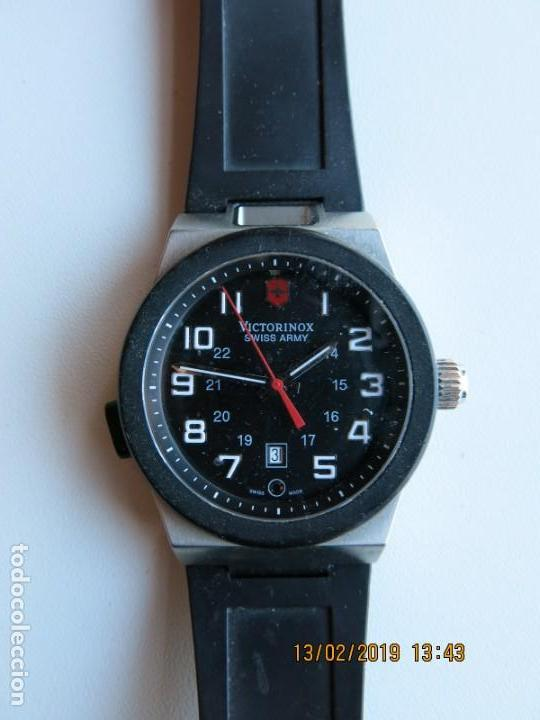 nueva productos 4e92d 1ccb5 Reloj VICTORINOX Swiss Army, con linterna incorporada tipo led