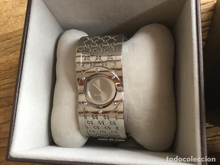 Relojes: Espectacular Reloj Gucci de mujer tipo brazalete con documentación - Foto 2 - 160933026