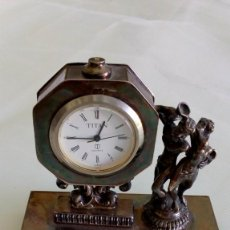 Relojes: RELOJ DE SOBREMESA EN PLATA. Lote 166902104