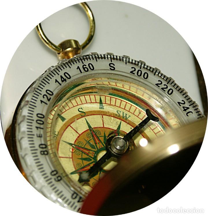BRUJULA FORMATO RELOJ BOLSILLO DE PRECISION BAÑADA EN ACEITE. (Relojes - Relojes Actuales - Otros)