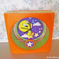 Relojes: RELOJ PENDULO PIOLIN WARNER LOONEY TUNES NUEVO. Lote 168816960