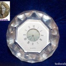 Relojes: RELOJ DE SOBREMESA -CUARZO- *CON FORMA DE DIAMANTE* ... FUNCIONANDO.. Lote 169053784