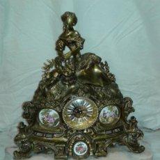 Relojes: GRAN RELOJ SOBREMESA DE BRONCE DORADO. Lote 201374561