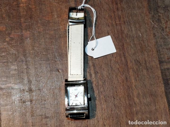 Relojes: Reloj TOMY HILFIGER T00187 - Correa reversible blanca y negro original - Foto 7 - 172993072