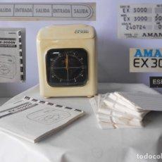 Relojes: AMANO EX3000 RELOJ DE FICHAR MAS INSTRUCCIONES MAS DE 100 TARJETAS DE FICHAR FUNCIONANDO. Lote 173862989