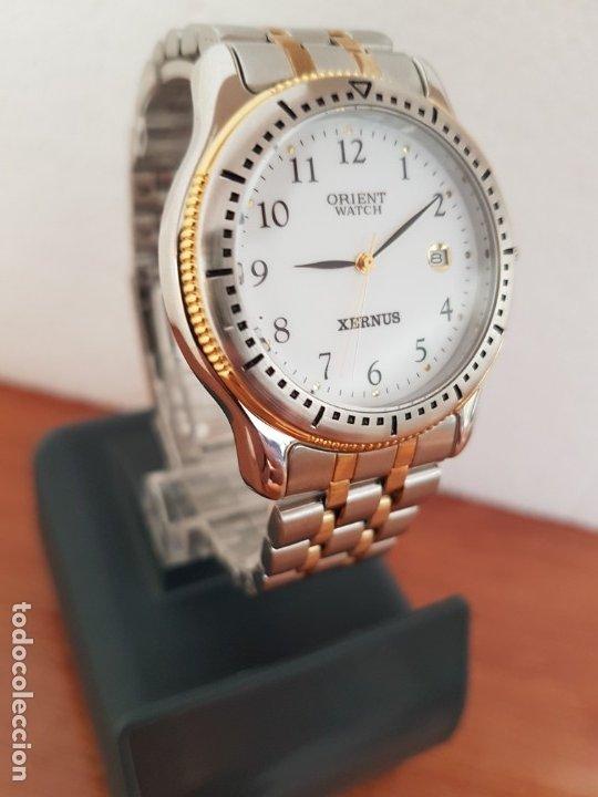 Relojes: Reloj de caballero ORIENT cuarzo acero y oro, esfera blanca, calendario las tres, correa acero oro. - Foto 6 - 178651967