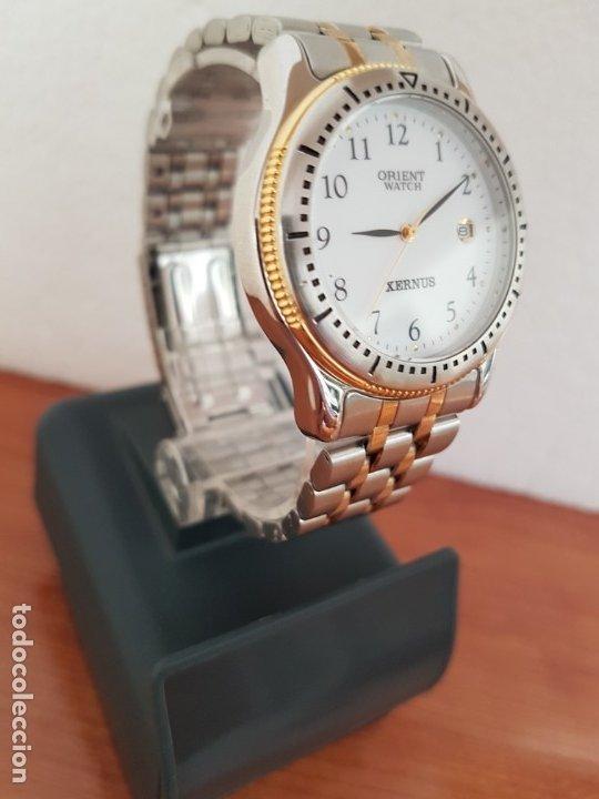 Relojes: Reloj de caballero ORIENT cuarzo acero y oro, esfera blanca, calendario las tres, correa acero oro. - Foto 12 - 178651967